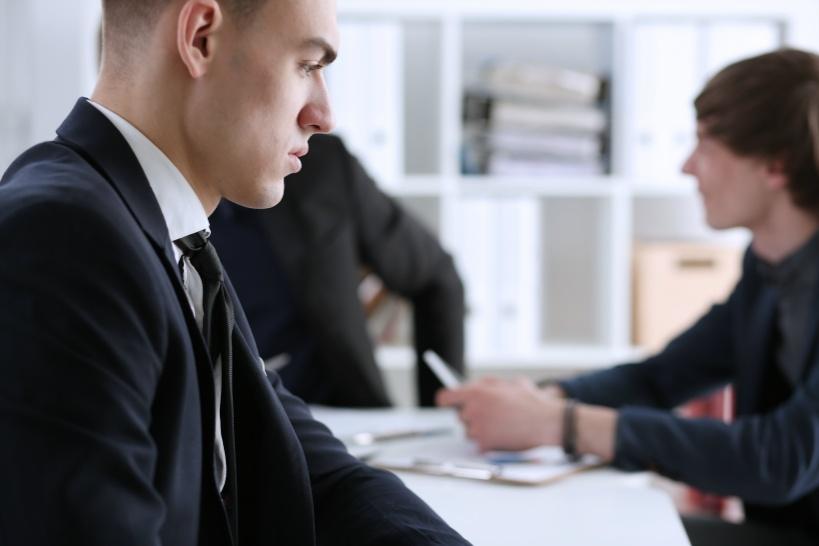 退職をする際に上司に対して有給消化や残業代の請求を法律をもって振りかざす