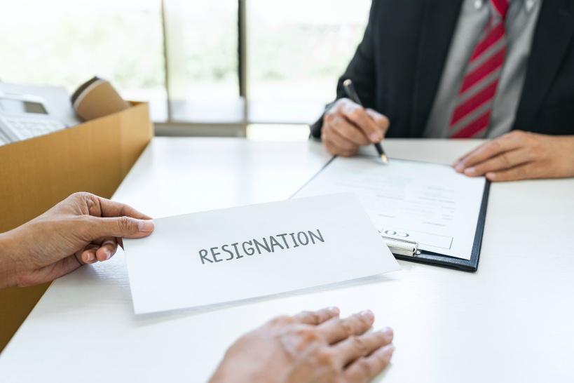 退職する場合は早期に決断を!後回しにすると問題を抱えることに