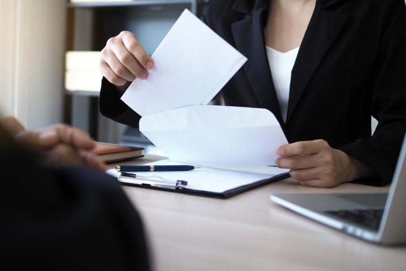 一度言って退職できない場合は弁護士へ。まったく問題なく退職できる