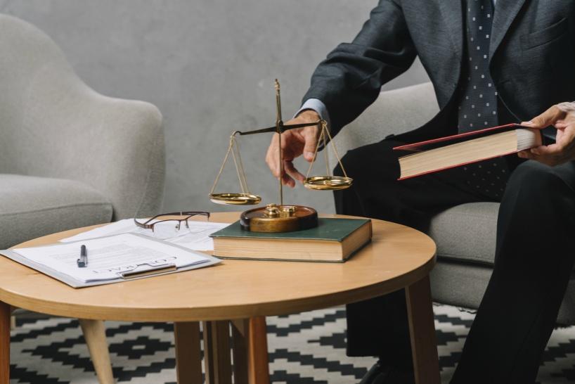 学校をなかなか辞めることができない場合は弁護士事務所へ