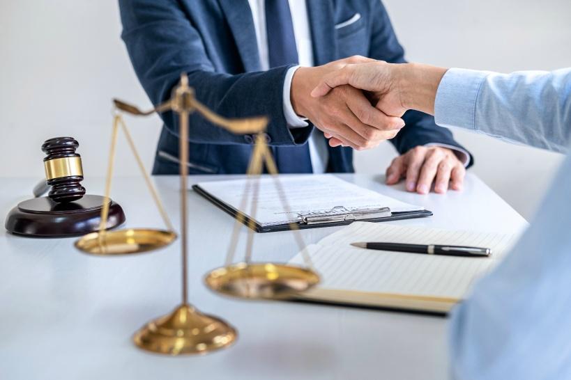 退職代行でも離職票は受け取れる。貰えない時は問い合わせ、最悪弁護士に相談する