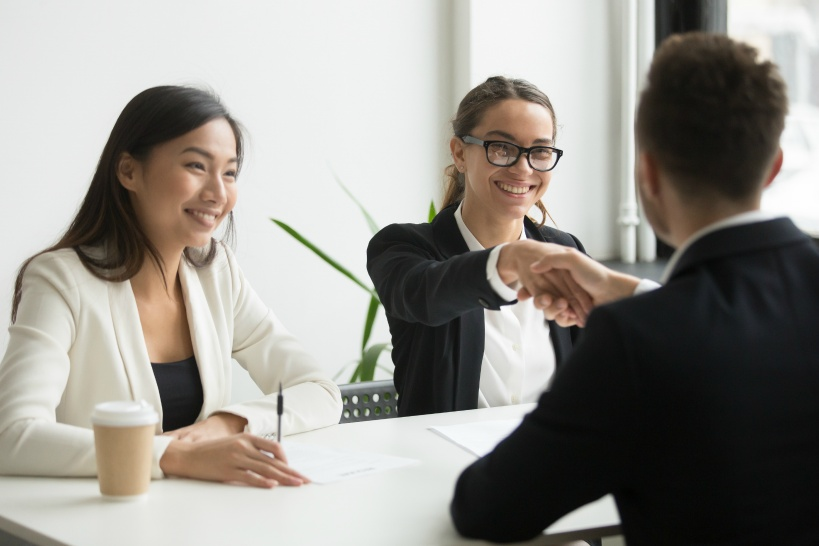 退職する際は弁護士事務所を通して然るべき対応をしてもらう