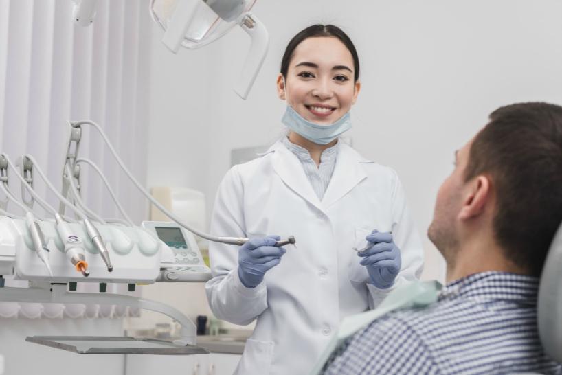 女性歯科医は同僚に知られないようにするのも