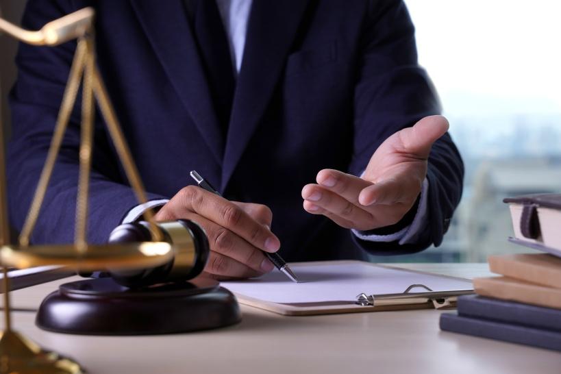 退職依頼&慰謝料の請求は弁護士に依頼するのがおすすめ!
