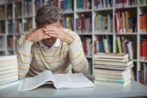 教師を辞めたい。人間関係に悩む人は退職を考えて