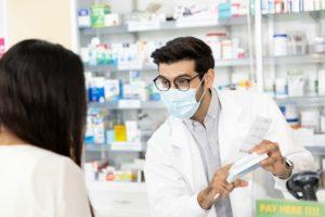 男性で薬剤師を辞める。退職後の転職は簡単?