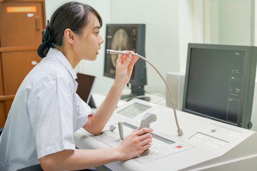 看護師の辞めたい理由の多くは人間関係。辛い時は退職も検討しよう