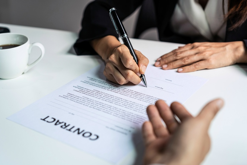 退職代行を弁護士に依頼するポイント。即日は無理でも対応の速度は超重要!