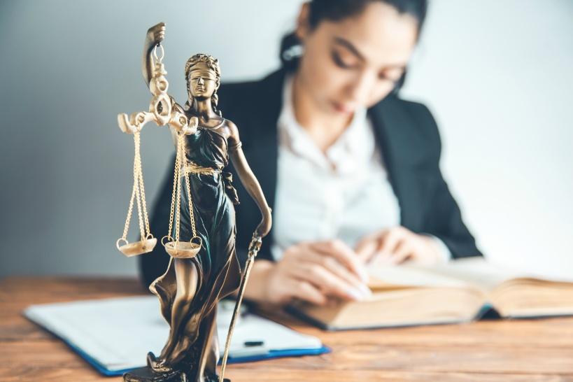 退職代行を依頼する場合は、退職金&有給休暇の問題を解決しよう。やっぱり弁護士がおすすめ!