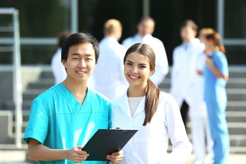 病院で働く医者が辞めたい理由TOP3