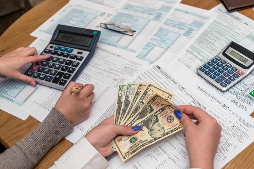 退職代行など、弁護士に依頼する際の費用の内訳