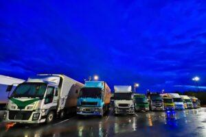 トラックドライバーが事故を起こして賠償請求を求められた場合の解決方法!