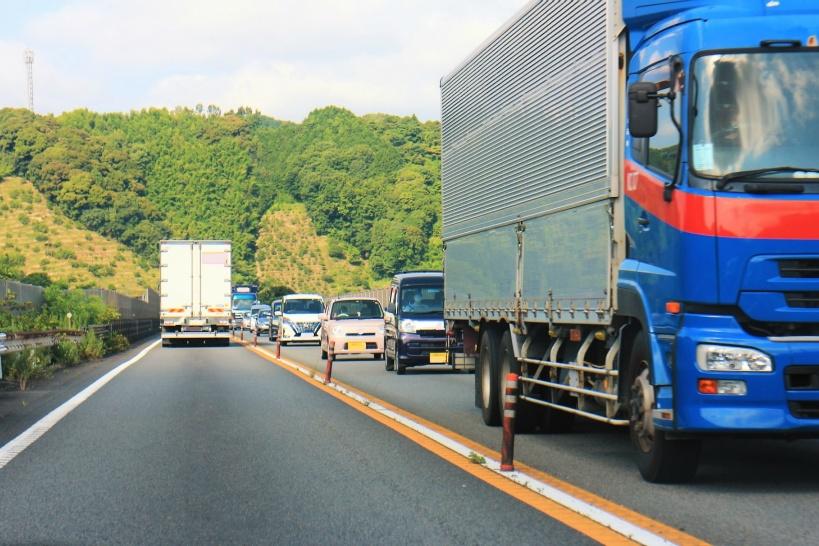 トラックドライバーが事故を起こして賠償請求されるパターン