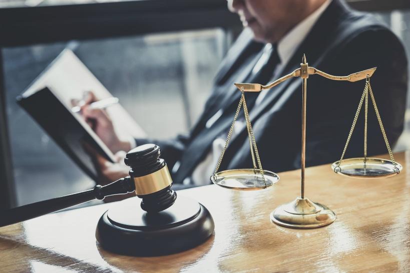 退職代行といっても正規弁護士が対応!損害賠償を回避できる!